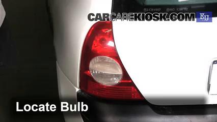 2003 Renault Clio dCi 1.5L 4 Cyl. Turbo Diesel Luces Luz de reversa (reemplazar foco)