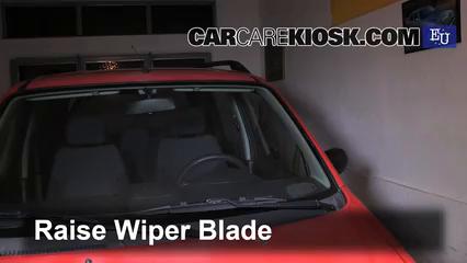2003 Suzuki Wagon R 1.3L 4 Cyl. Escobillas de limpiaparabrisas delantero Cambiar escobillas de limpiaparabrisas
