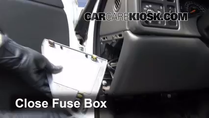 interior fuse box location 1999 2007 chevrolet silverado 1500 rh carcarekiosk com