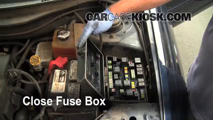Replace a Fuse 2004 2008 Chrysler Pacifica 2006