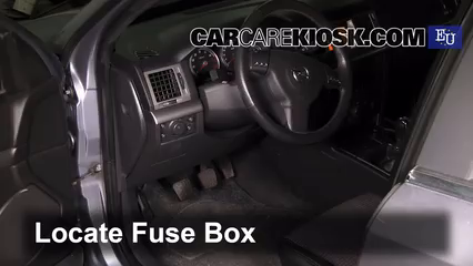 interior fuse box location: 2003-2005 opel signum