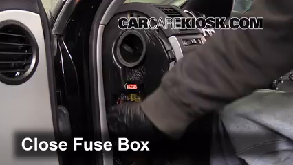 interior fuse box location 2004 2010 volkswagen touareg 2004 rh carcarekiosk com volkswagen touareg fuse box diagram 2005 vw touareg fuse box location