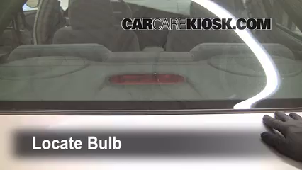 2004 Buick Century Custom 3.1L V6 Éclairage Feu de freinage central (remplacer l'ampoule)