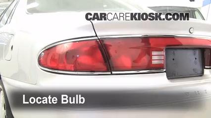 2004 Buick Century Custom 3.1L V6 Éclairage Feux de marche arrière (remplacer une ampoule)