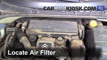 2004 Citroen C3 SX 1.4L 4 Cyl. Turbo Diesel Filtre à air (moteur)