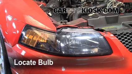 2004 Ford Mustang 3.9L V6 Coupe Éclairage Feux de croisement (remplacer l'ampoule)