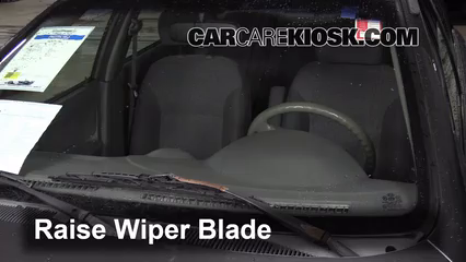 2004 Kia Rio 1.6L 4 Cyl. Windshield Wiper Blade (Front)
