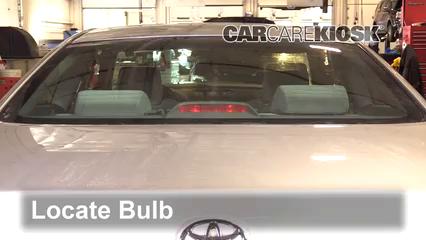 2004 Toyota Solara SE 2.4L 4 Cyl. Coupe Luces Luz de freno central (reemplazar foco)