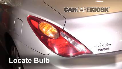 2004 Toyota Solara SE 2.4L 4 Cyl. Coupe Luces Luz de giro trasera (reemplazar foco)