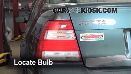 2004 Volkswagen Jetta GL 2.0L 4 Cyl. Sedan Lights