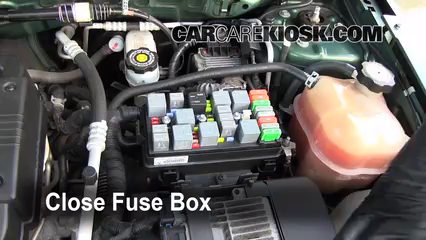 replace a fuse 2005 2009 chevrolet equinox 2005 chevrolet equinox6 replace cover secure the cover and test component