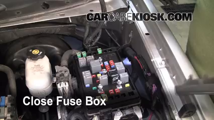 2005 Chevrolet Trailblazer LS 4.2L 6 Cyl.%2FFuse Engine Part 2 cambio de fusible de chevrolet trailblazer 2002 2009 2005 2005 Trailblazer Fuse Box Diagram at edmiracle.co