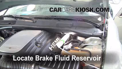 2005 Chrysler 300 C 5.7L V8 Brake Fluid Check Fluid Level