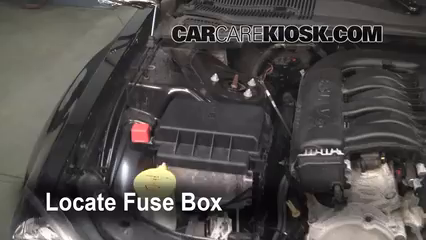 2005 Dodge Magnum SXT 3.5L V6 Fuse (Engine) Replace