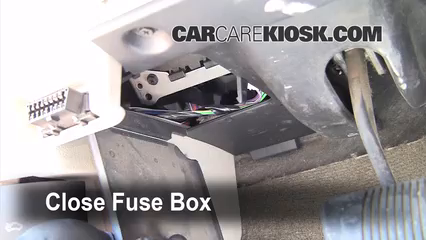 interior fuse box location 2005 2010 jeep grand cherokee 2005 rh carcarekiosk com 05 jeep grand cherokee interior fuse box 2005 jeep grand cherokee fuse box location