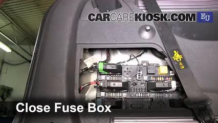 Interior Fuse Box Location: 2005-2011 Opel Zafira - 2005 ... on