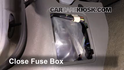 interior fuse box location: 2000-2005 saturn l300 - 2005 saturn l300 3 0l v6