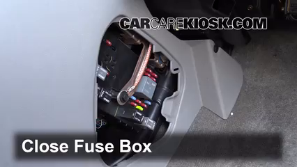 interior fuse box location 2002 2007 saturn vue 2004 2006 saturn vue interior fuse box diagram fuse box for saturn ion 2003 getting