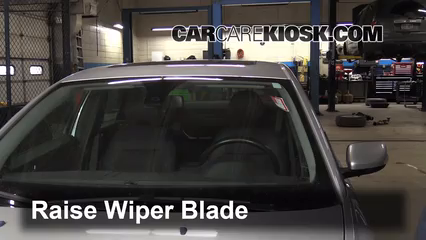 2005 Volvo S40 i 2.4L 5 Cyl. Windshield Wiper Blade (Front)