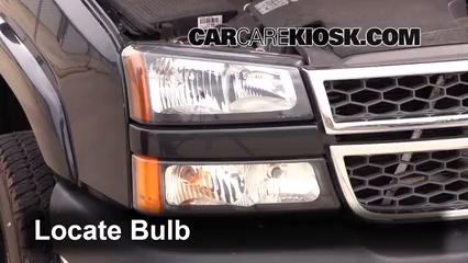 2005 Chevrolet Silverado 2500 HD 6.6L V8 Turbo Diesel Extended Cab Pickup (4 Door) Éclairage Feux de route (remplacer l'ampoule)