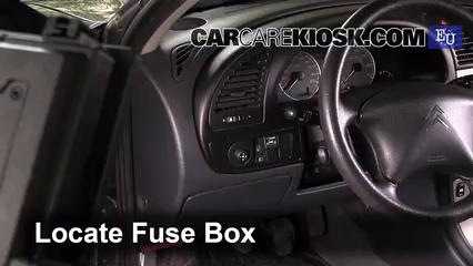 2005 Citroen Xsara SX Hatchback 1.6L 4 Cyl. Fusible (interior)