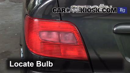 2005 Citroen Xsara SX Hatchback 1.6L 4 Cyl. Luces