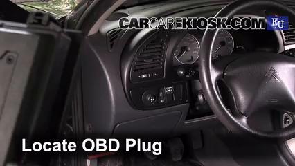 2005 Citroen Xsara SX Hatchback 1.6L 4 Cyl. Compruebe la luz del motor