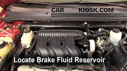 2005 Ford Five Hundred SEL 3.0L V6 Liquide de frein Contrôler le niveau de liquide de frein