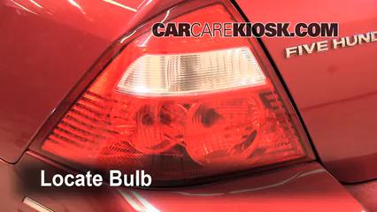 2005 Ford Five Hundred SEL 3.0L V6 Éclairage Feux de marche arrière (remplacer une ampoule)
