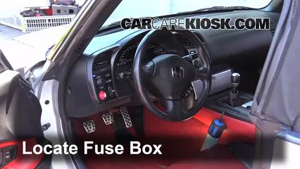 2005 Honda S2000 2.2L 4 Cyl. Fusible (interior)