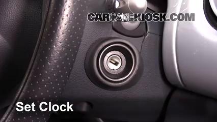 2005 Mini Cooper 1.6L 4 Cyl. Coupe Reloj Fijar hora de reloj
