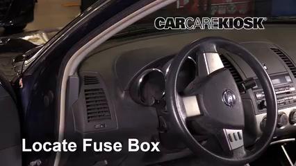 2005 Nissan Altima S 2.5L 4 Cyl. Fusible (interior)