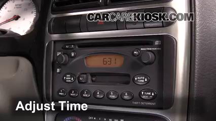 2005 Saturn L300 3.0L V6 Clock