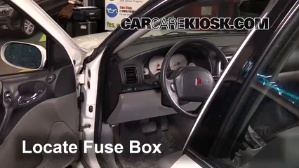 2005 Saturn L300 3.0L V6 Fusible (interior)