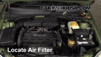 2005 Suzuki Forenza LX 2.0L 4 Cyl. Wagon Air Filter (Engine)