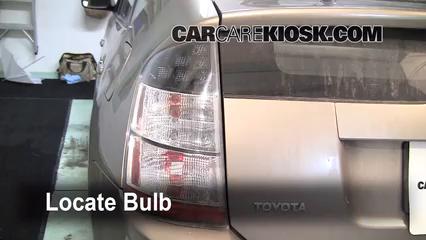2005 Toyota Prius 1.5L 4 Cyl. Lights