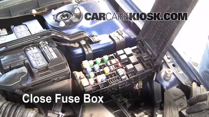 2006 Ford Fusion SE 3.0L V6%2FFuse Engine Part 2 replace a fuse 2006 2009 ford fusion 2006 ford fusion se 3 0l v6 fusion fuze box at bakdesigns.co