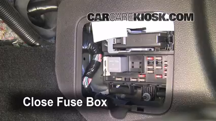 interior fuse box location 2005 2009 ford mustang 2006. Black Bedroom Furniture Sets. Home Design Ideas