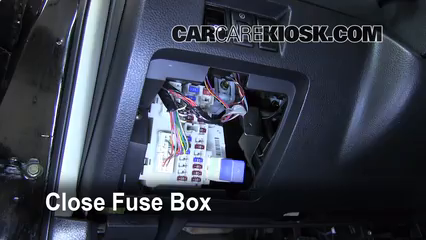 2006 Nissan Altima SE 3.5L V6%2FFuse Interior Part 2 interior fuse box location 2002 2006 nissan altima 2005 nissan 2006 nissan sentra interior fuse box diagram at panicattacktreatment.co