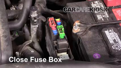 2006 nissan maxima fuse box replace a fuse 2004 2008 nissan maxima 2007 nissan maxima se  replace a fuse 2004 2008 nissan maxima