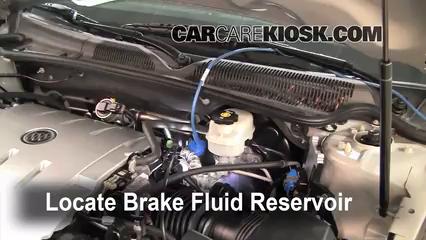 2006 Buick Lucerne CXS 4.6L V8 Liquide de frein