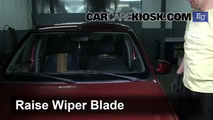 2006 Dacia Logan Prestige 1.6L 4 Cyl. Windshield Wiper Blade (Front) Replace Wiper Blades