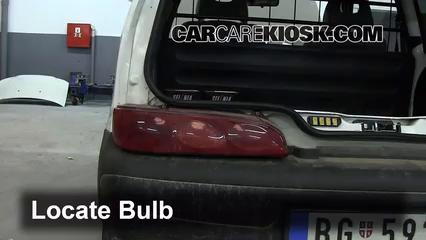 2006 Fiat Seicento 600 Van 1.1L 4 Cyl. Lights Turn Signal - Rear (replace bulb)