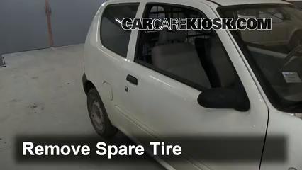 2006 Fiat Seicento 600 Van 1.1L 4 Cyl. Tires & Wheels Change a Flat Tire