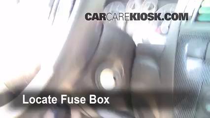 2006 Ford Fusion SE 3.0L V6 Fuse (Interior) Check
