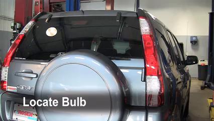 2006 Honda CR-V SE 2.4L 4 Cyl. Éclairage Feu clignotant arrière (remplacer l'ampoule)