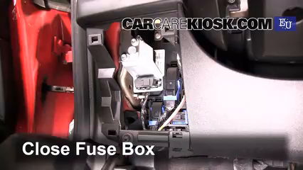 2007 Fiat Grande Punto Active 1.2L 4 Cyl.%2FFuse Interior Part 2 interior fuse box location 2005 2011 fiat grande punto 2007 grande punto fuse box location at eliteediting.co
