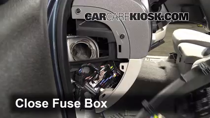 interior fuse box location 2007 2013 gmc sierra 1500 2007 chevrolet avalanche fuse diagram