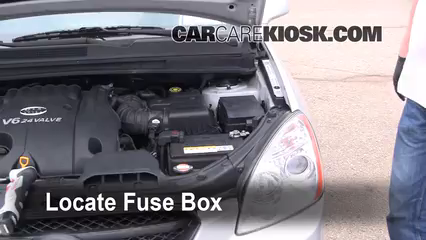 2007 Kia Rondo LX 2.7L V6 Fuse (Engine) Replace
