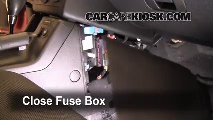 2007 Pontiac G6 3.5L V6%2FFuse Interior Part 2 interior fuse box location 2005 2010 pontiac g6 2007 pontiac g6 2005 pontiac grand prix fuse box location at n-0.co